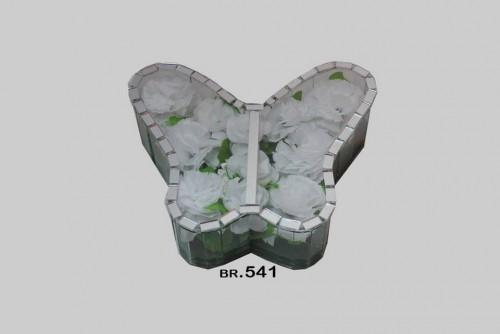 541 leptir mali
